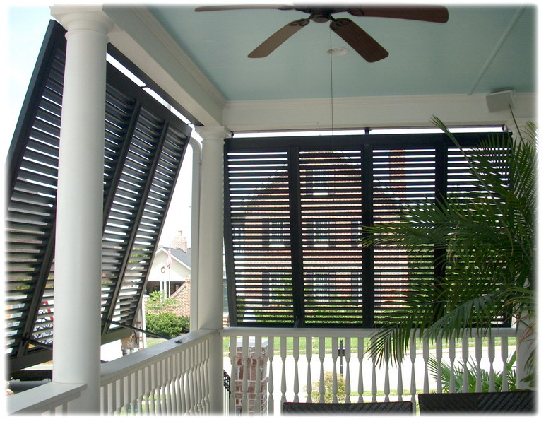 Upgrading The Side Yard likewise Aluminum Patio Covers New Orleans La besides Caravan Mobile Home C ervan Garage moreover Carports likewise 90f3479bf6002b97. on enclosed carport designs