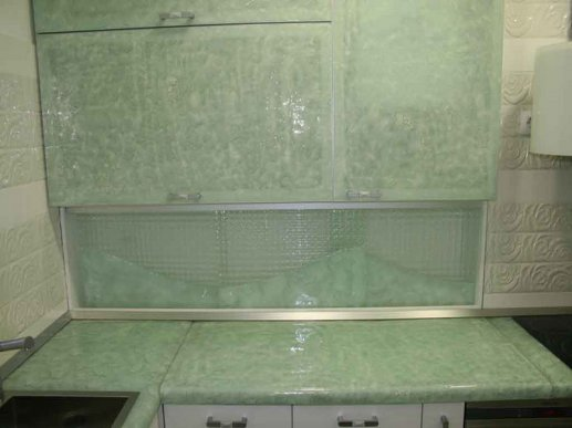 Stakleni kuhinjski zid 01