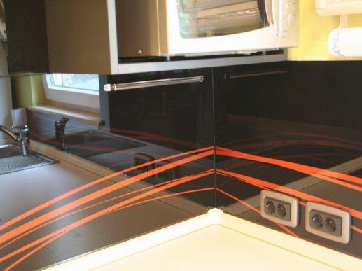Stakleni kuhinjski zid 04