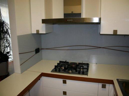 Stakleni kuhinjski zid 08